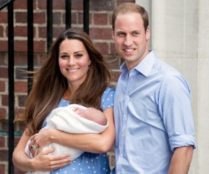 1374688572_kate-middleton-prince-william-prince-george-lg